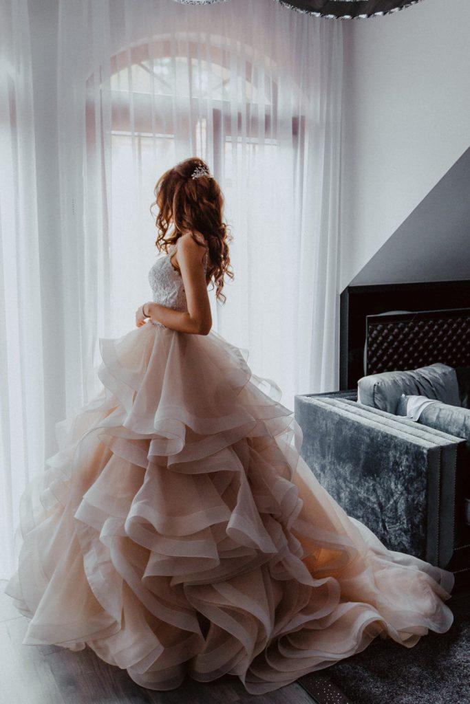 panna mloda suknia slubna mori lee