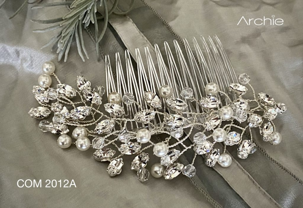 Kryształy Swarovskiego w sukni ślubnej