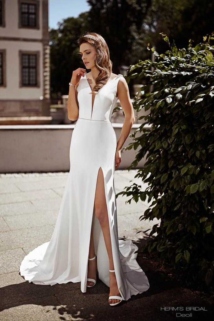 Suknia ślubna z krepy