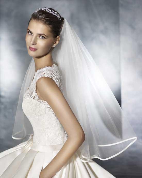 krótki welon do sukni ślubnej