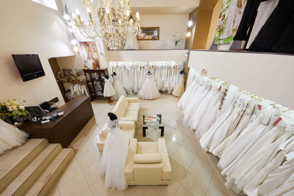 Outlet sukni ślubnych